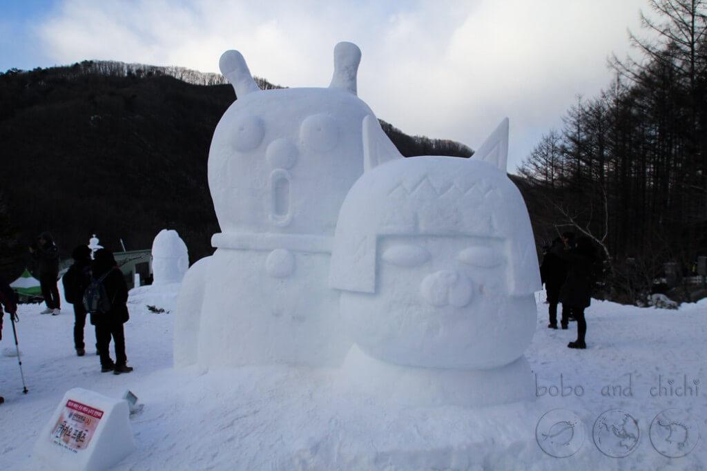 Taebaekson Snow festival double statue
