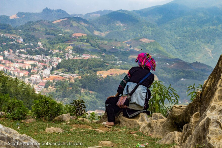 Black Hmong Trekking in Sapa