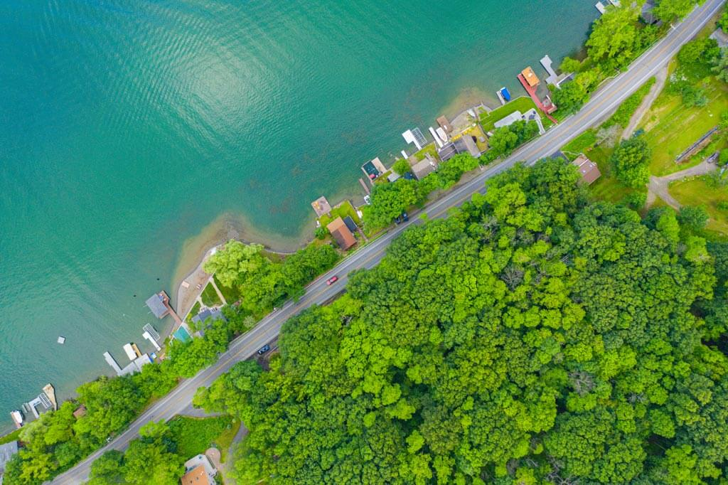 Aerial-shot-of-Keuka-Lake-and-its-pretty-water