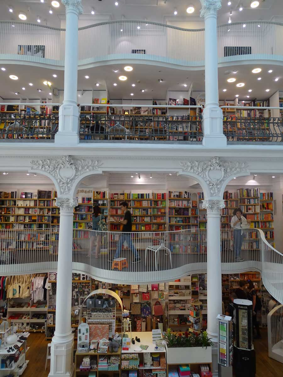 Cărturești-Carusel-bookshop-in-Bucharest-Romania
