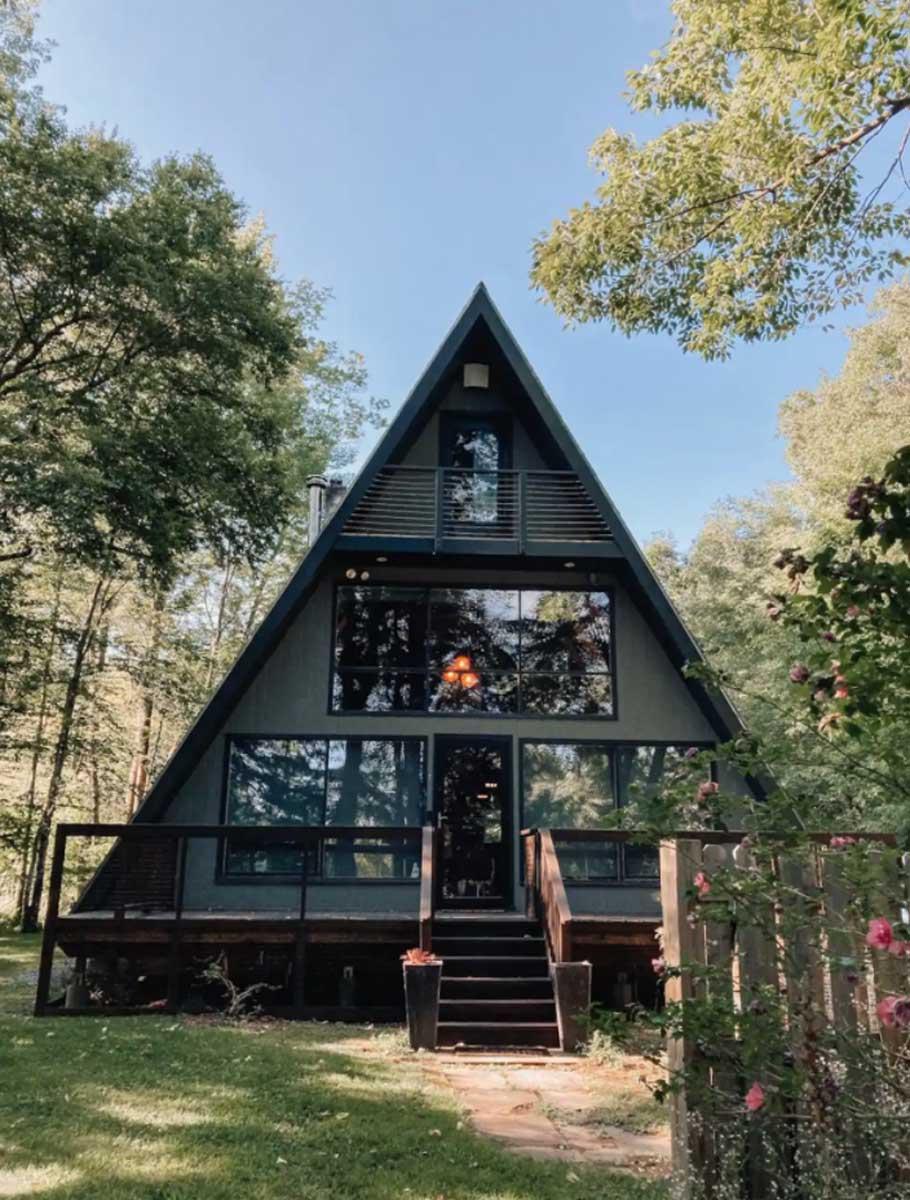 Catskills-Airbnb-Cabin-in-Hancock-NY