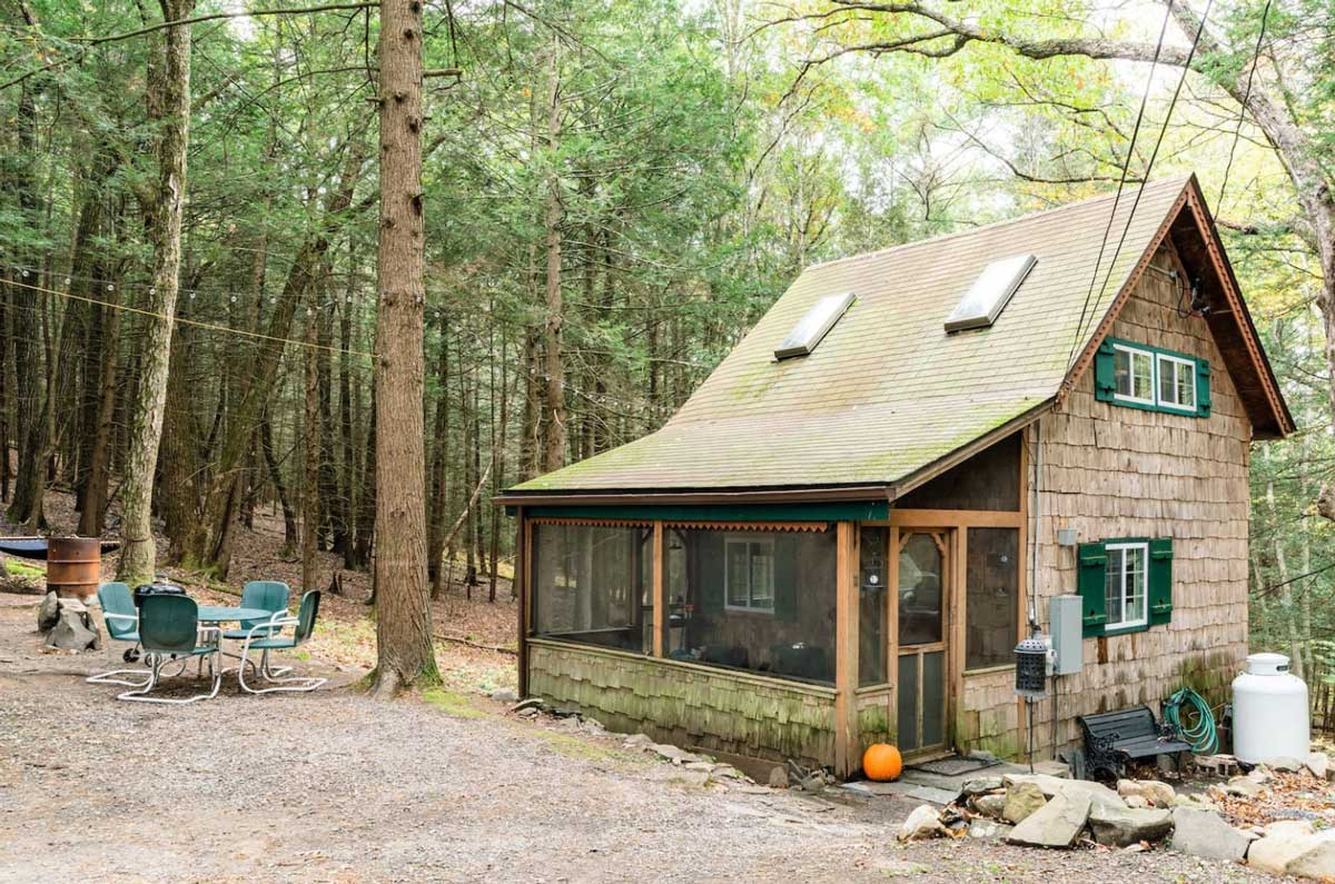 Chic-tiny-cabin-rental-in-the-catskills-in-upstate-new-york