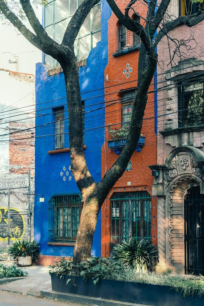 Two tone building in Roma Norte Mexico City Neighborhood
