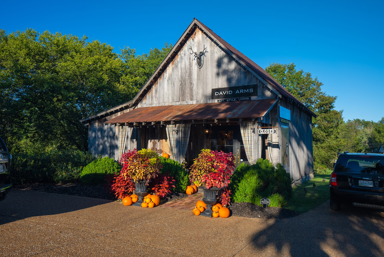 David Arms Gallery in Leipers Fork Tennessee