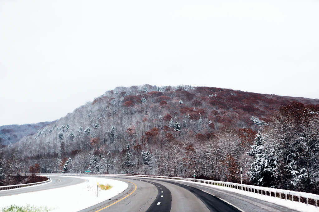 Driving-to-the-Finger-Lakes-in-the-winter