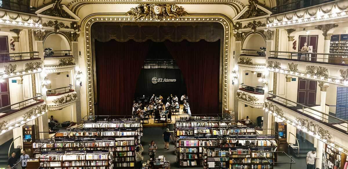 El-Ateno-Grand-Splendid-bookstore-in-Buenos-Aires-Argentina