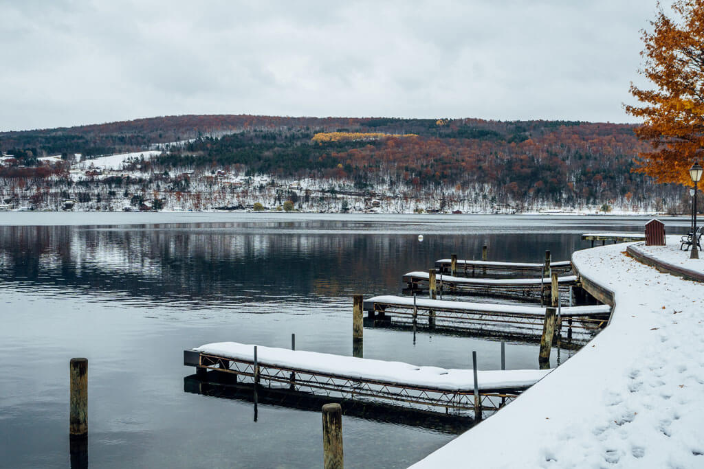 Fall-with-a-blanket-of-snow-in-Hammondsport-New-York-on-Keuka-Lake