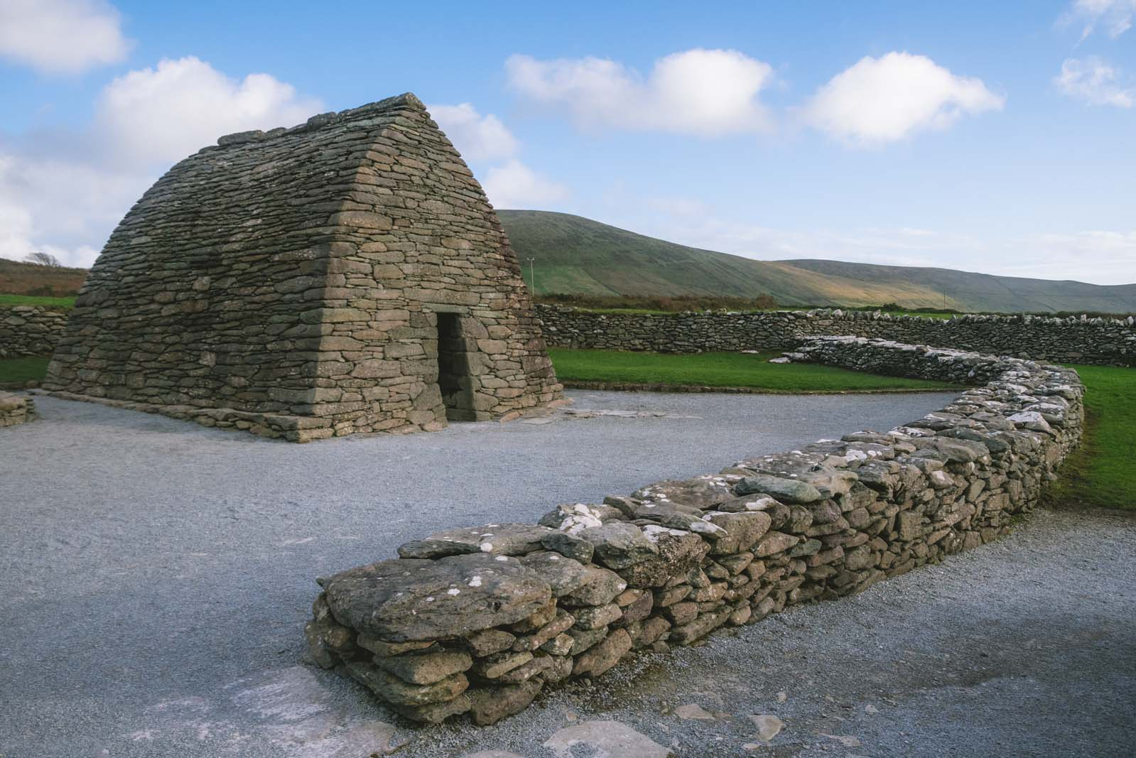 Gallarus-Oratory-Dingle-Peninsula-Ireland