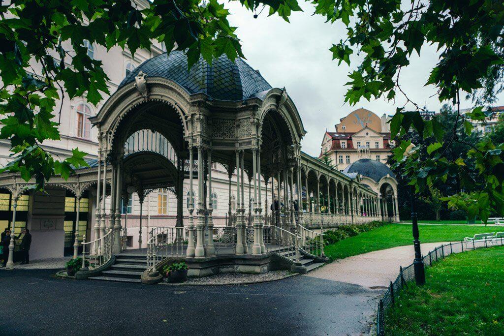 karlovy vary park colonnade