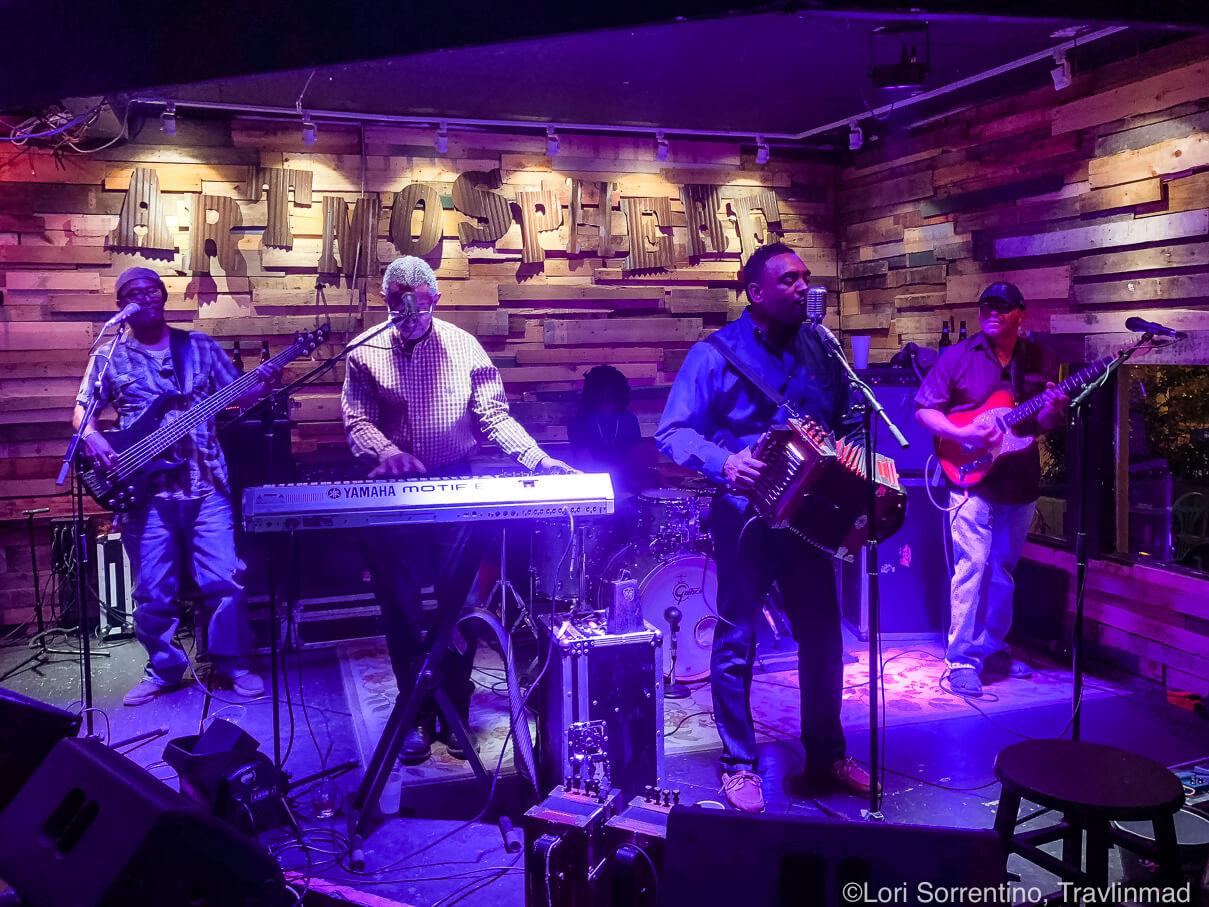 live music performance in Lafayette Louisiana