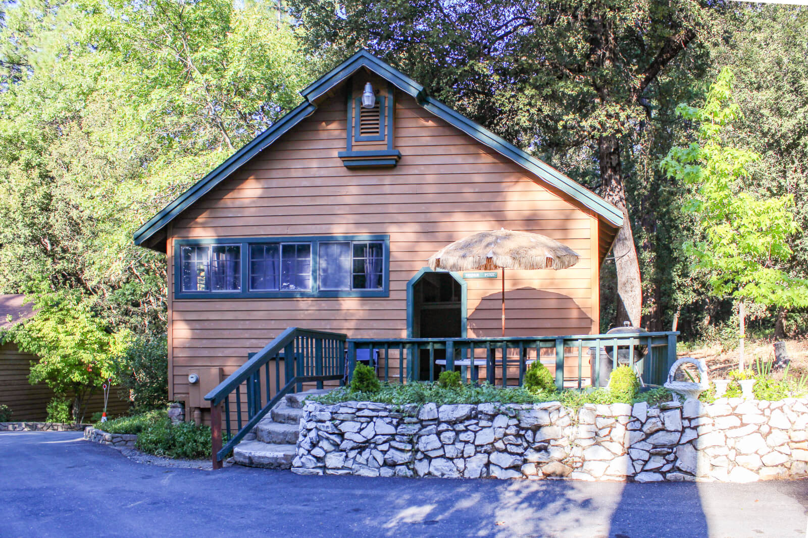 Lazy Z Resort Cabin getaway in Twain Harte California