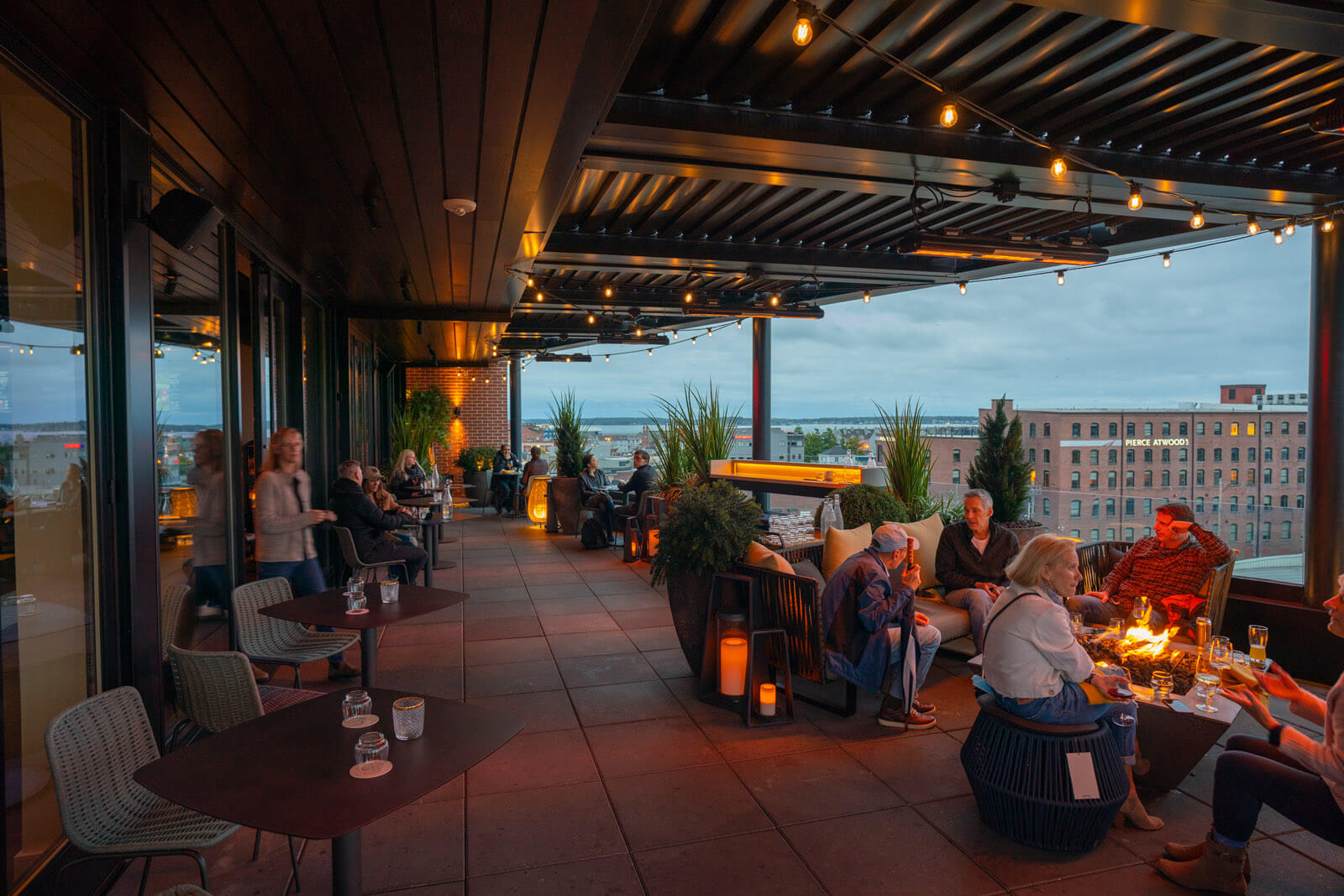 Luna Rooftop at Canopy by Hilton Portland Maine restaurant