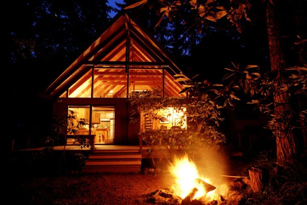 Moore House Cabin at lake cushman in Washington