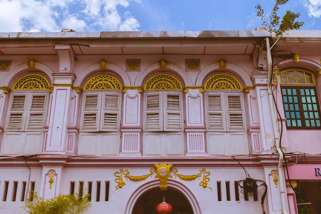 Georgetown Penang - pink shophouse front