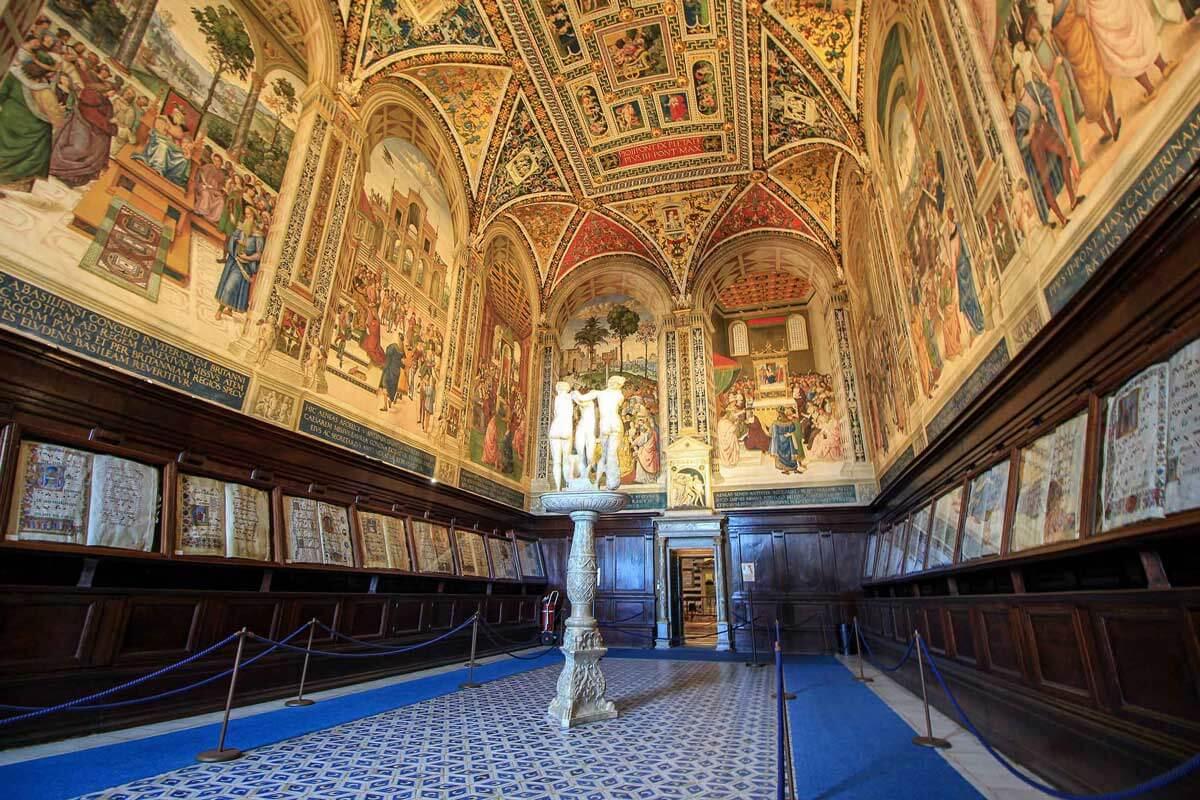Piccolomini-Library-in Sienna Italy©Jürgen-Reichenpfader