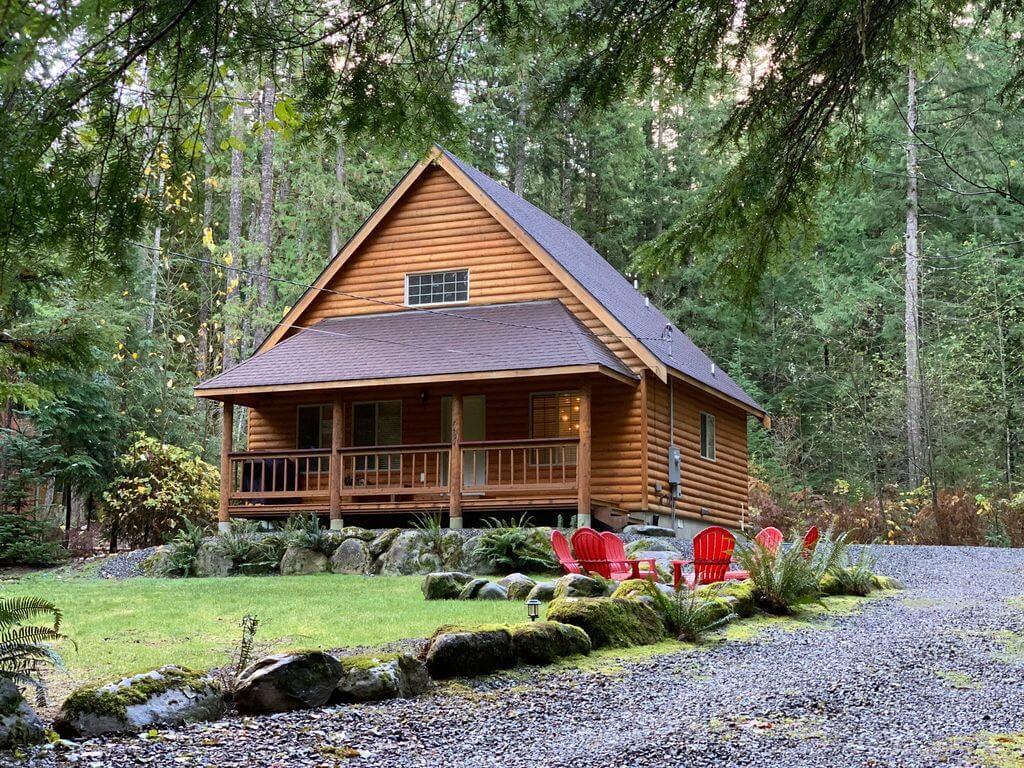 Secluded Mt Baker cabin getaway in Washington