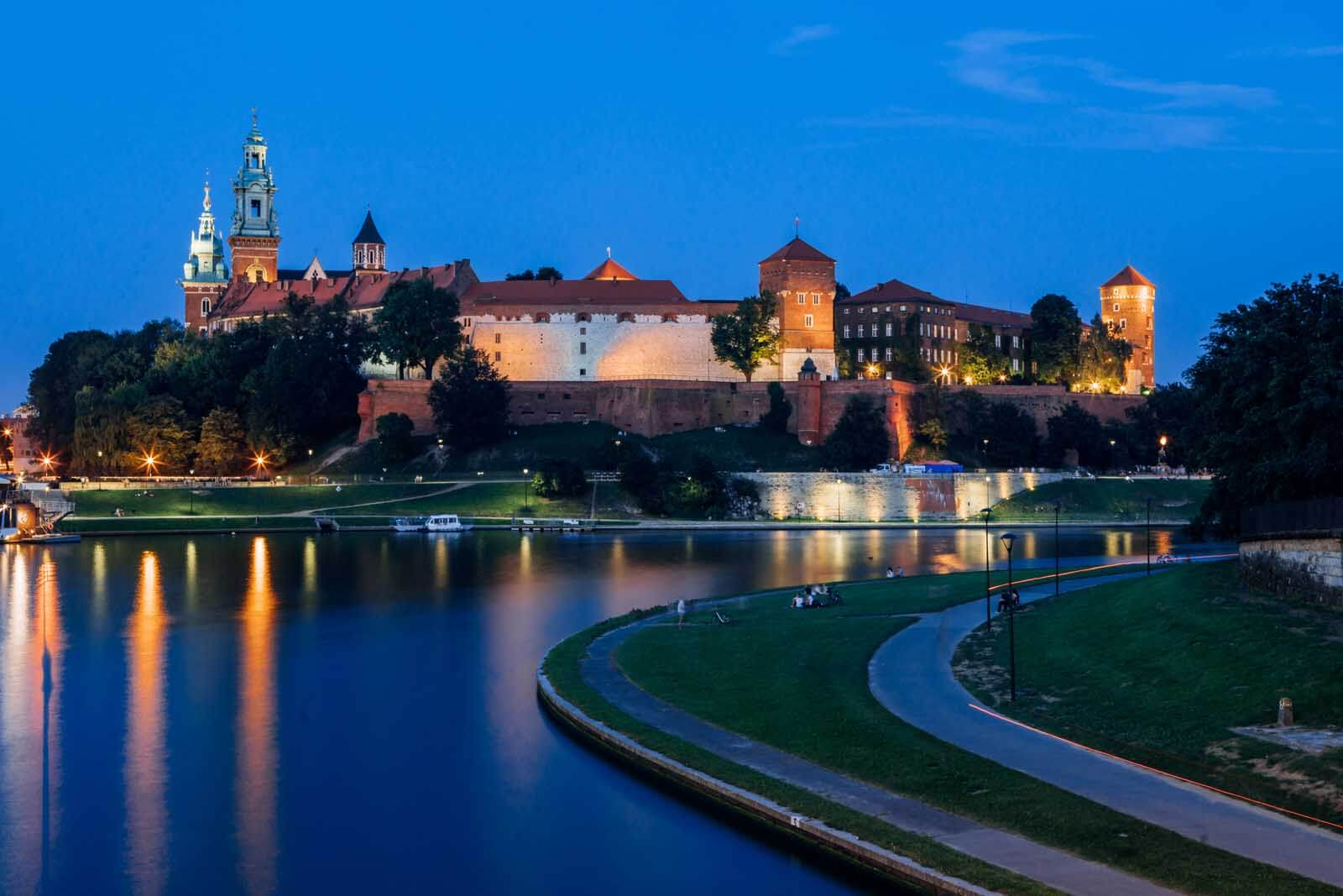 view of the Vistula River in Krakow at night