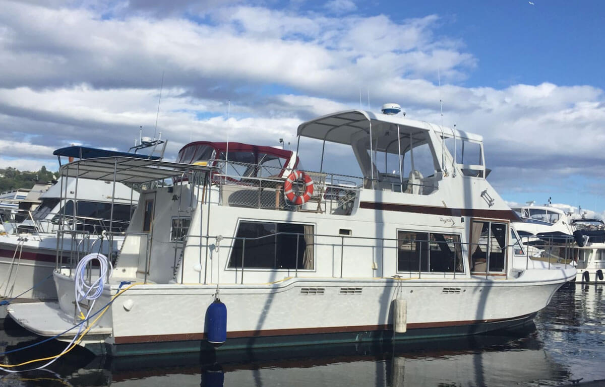 Why-Knot-Houseboat-Rental-in-Seattle