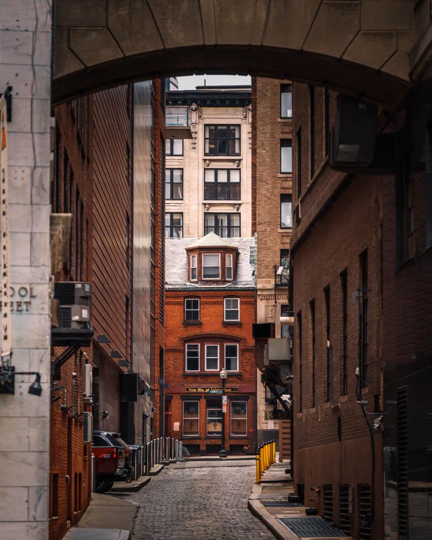beautiful alleyway in Boston Massachusetts