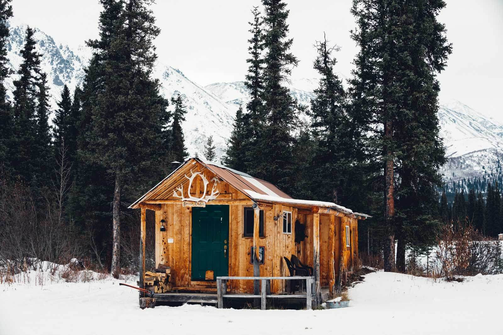 cabin in Cantwell Alaska near Denali National Park