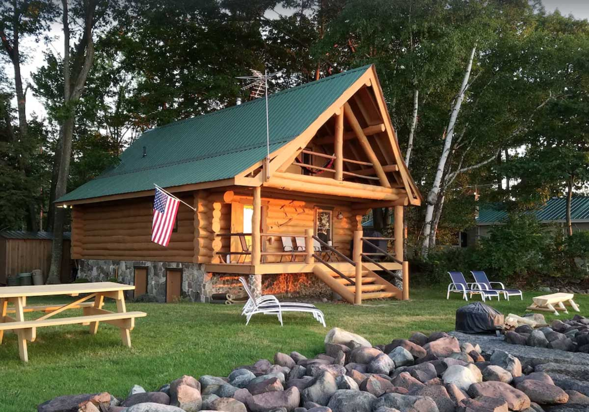 charming-cabin-rental-in-upstate-new-york-on-lake-ontario