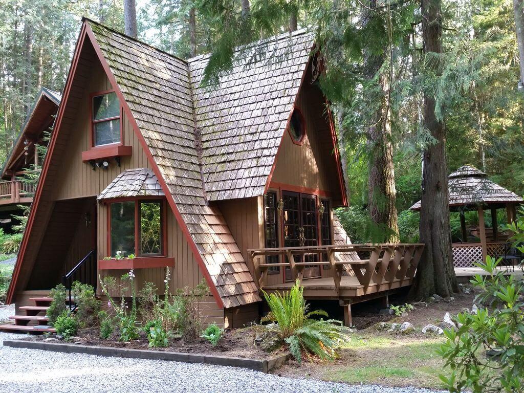 charming chalet cabin in glacier washington
