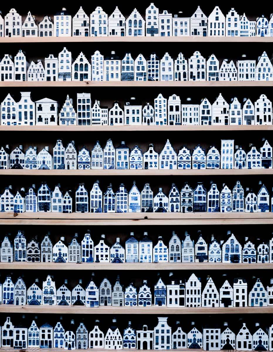 delft-blue-miniature-houses-of-amsterdam-sold-as-s-8PHBP9K