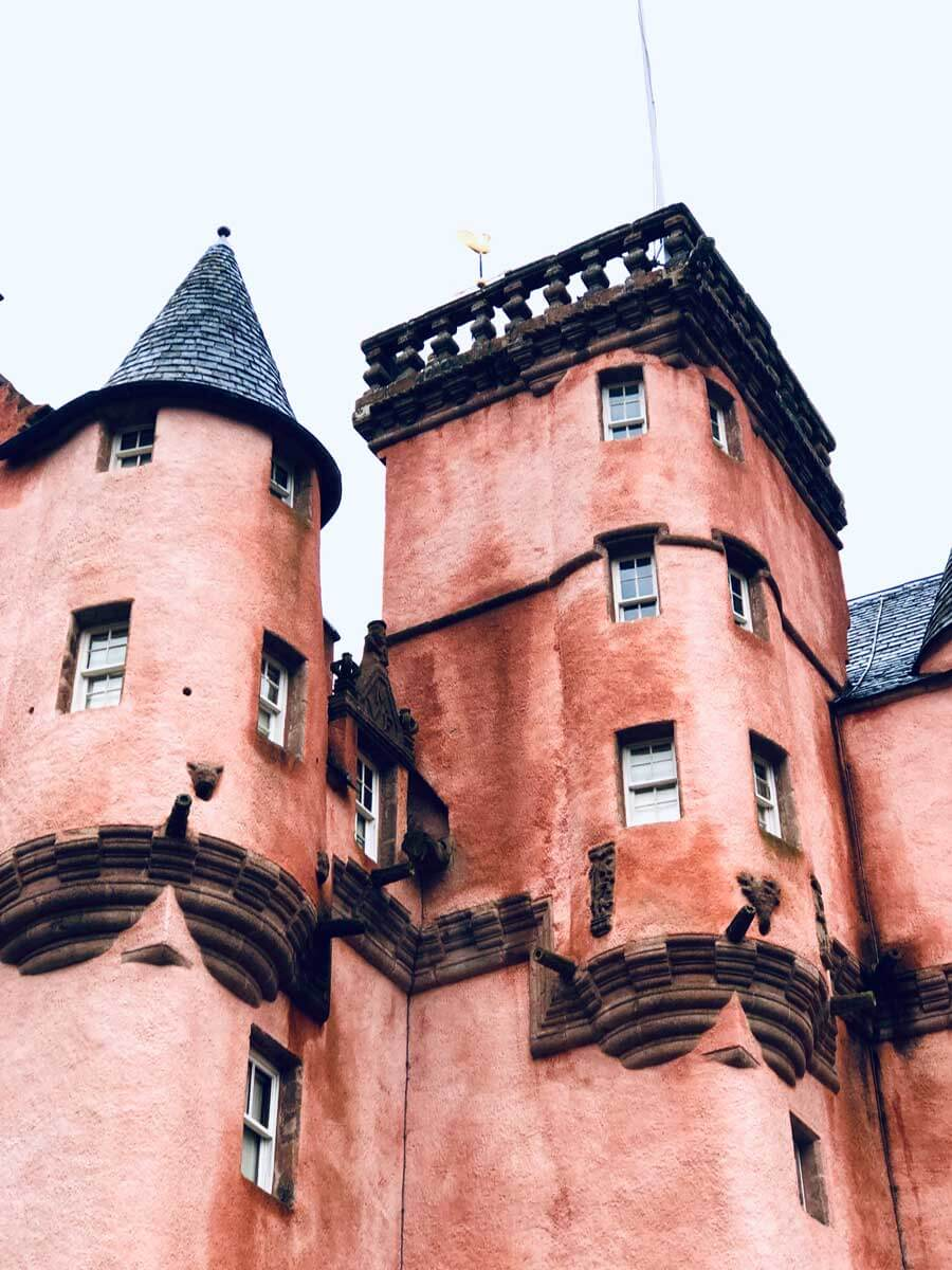 detail-shots-of-craigievar-castle-in-scotland