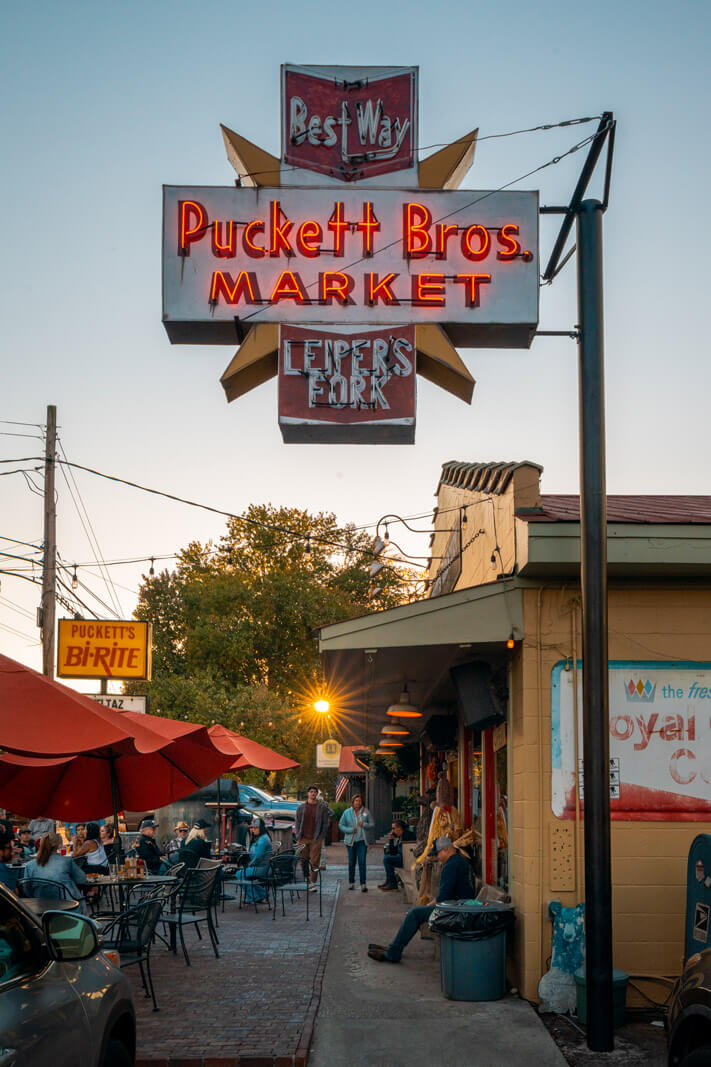 exterior of Pucketts of Leipers Fork in Tennessee