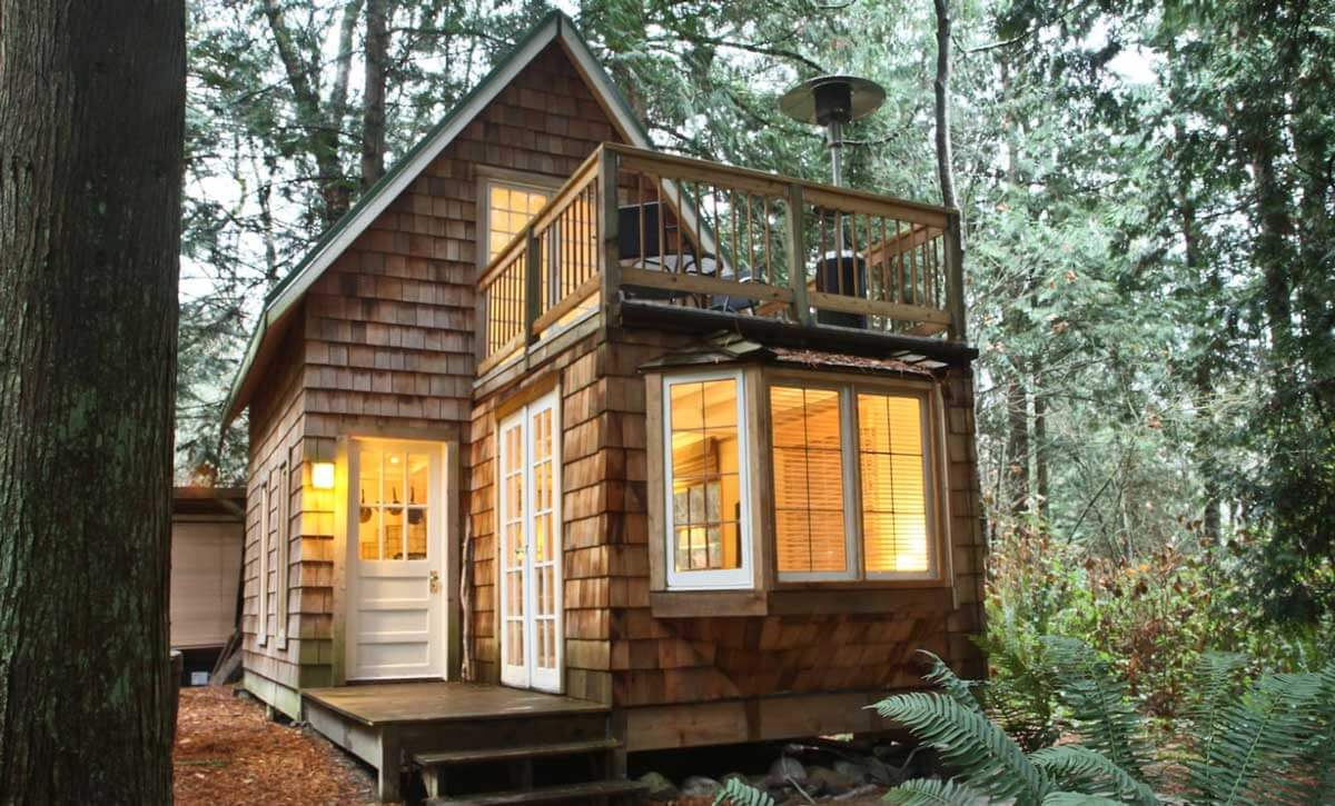 gingerbread-cottage-in-washington-near-the-canadian-border