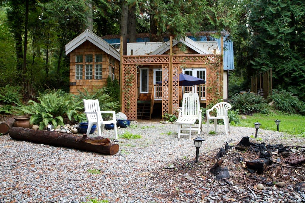 gingerbread-cottage-serenity-cottage-at-lily-point