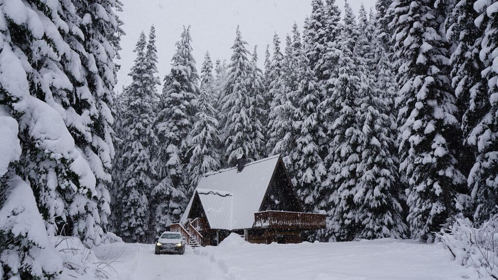 gorgeous cabin at snoqualmie pass in washignton