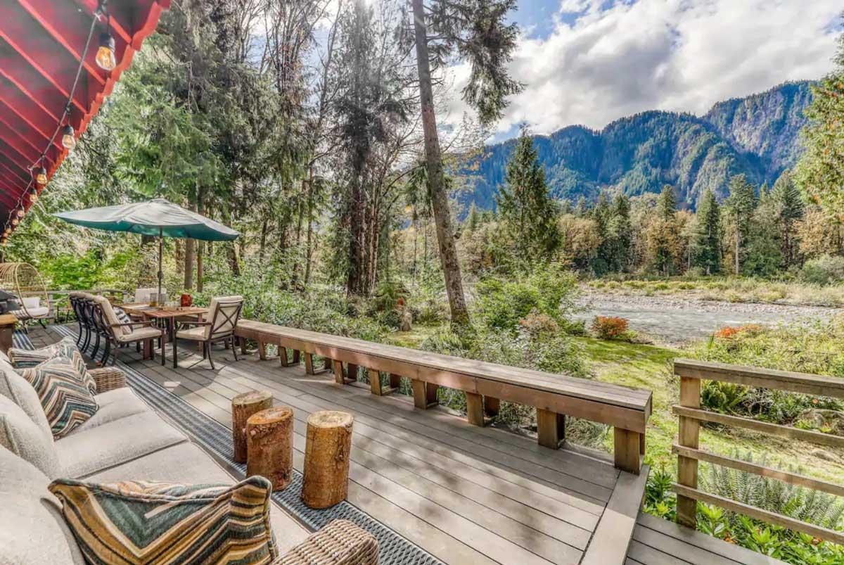 luxury-timber-creek-cabin-in-skykomish-washington