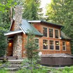 25+ Most Romantic Cabins in Washington State (& Best Cabins for Groups)