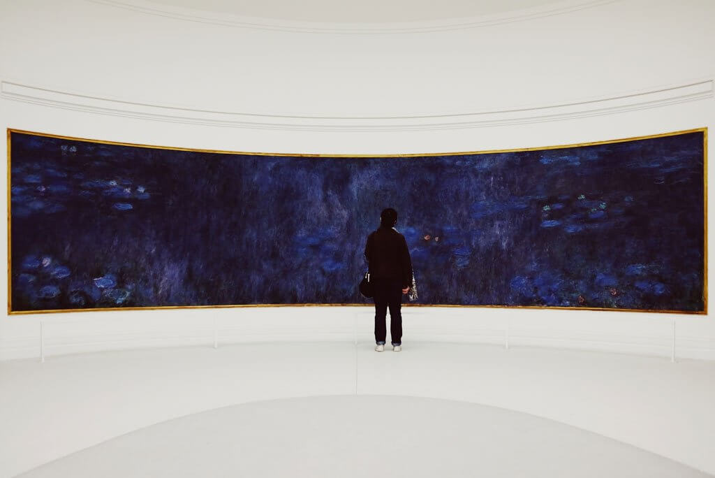 monet in Musée de l'Orangerie in Paris