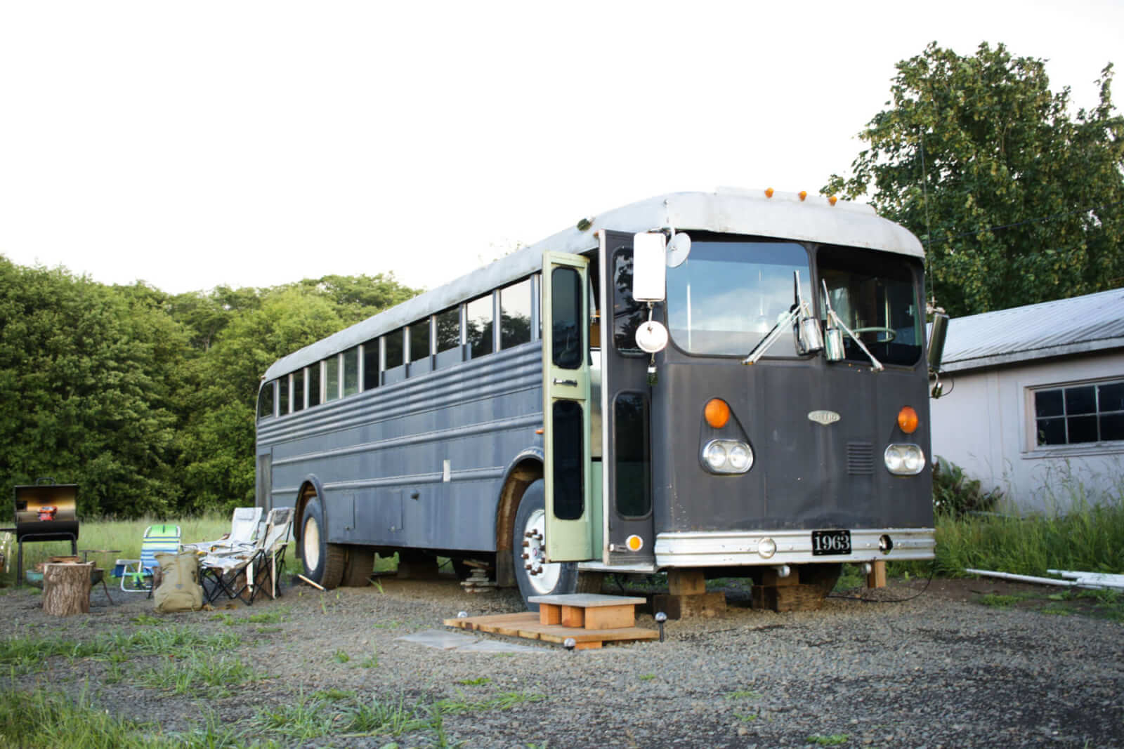 old-oly-hops-farm-the-1963-highliner-school-bus-bus-lodging-amenity in Washington