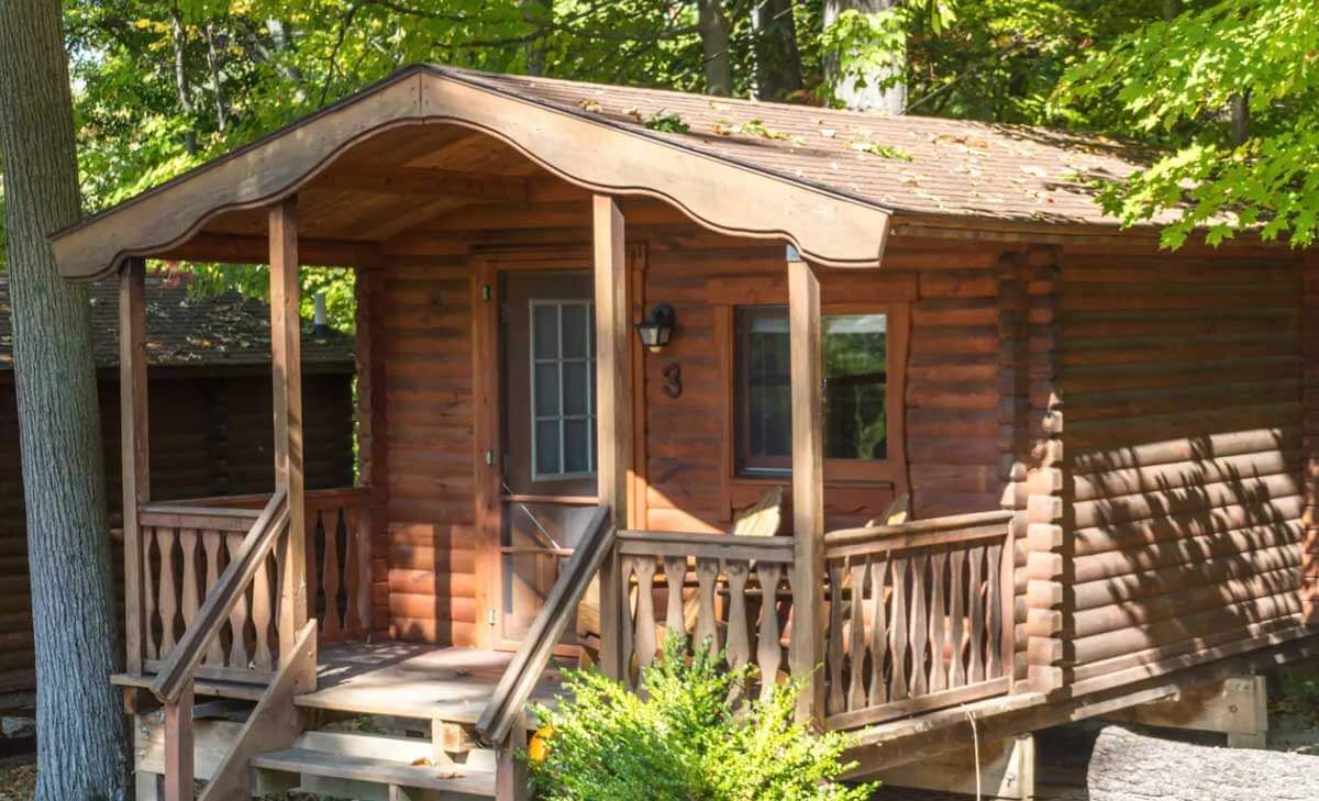 rustic-cabins-in-upstate-new-york-on-seneca-lake-in-the-finger-lakes