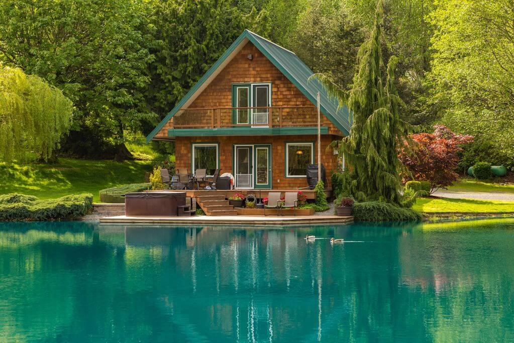 secluded cabin rental in washington state at big lake