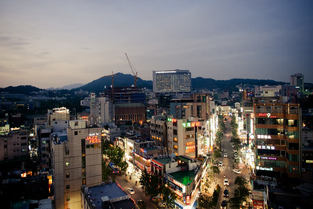 Night View of Sinchon | Shopping in Seoul