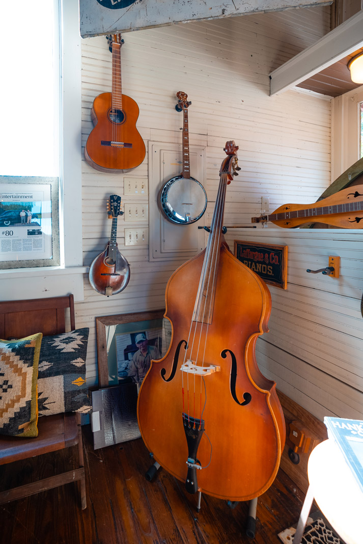 the pickin corner of instruments at serenite maison in leipers fork tennessee
