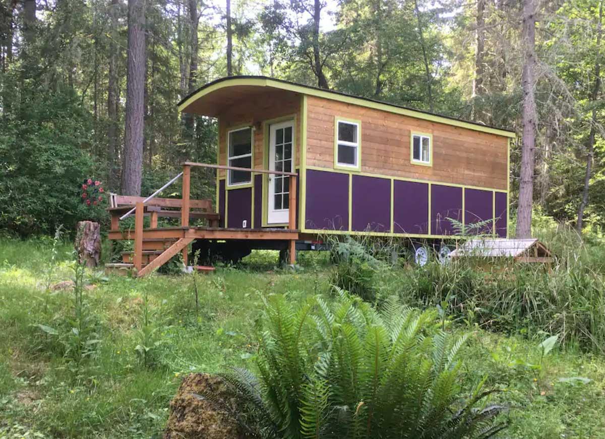 tiny-home-in-washington-state-on-Vashon-Island