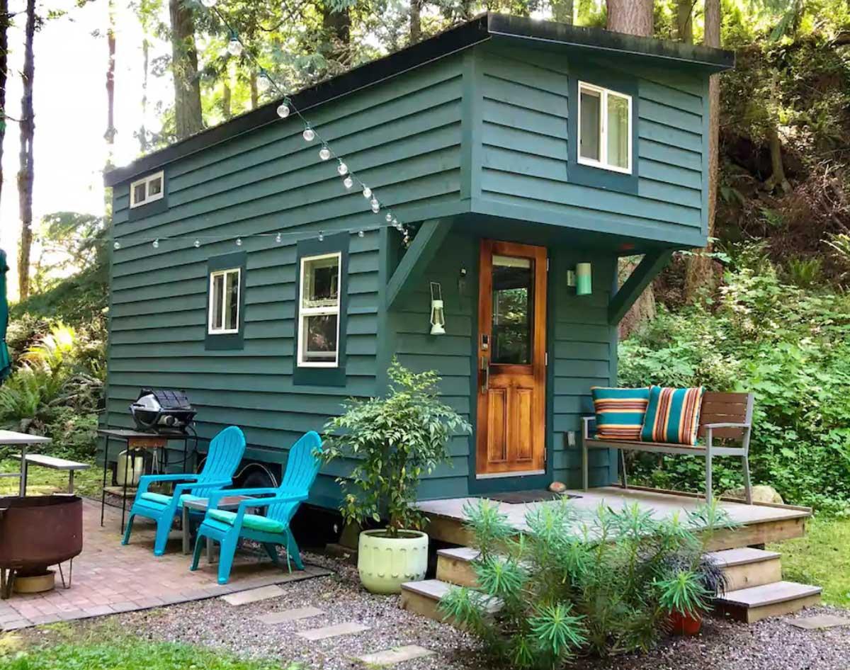tiny-house-at-Guemes-Island-in-Washington
