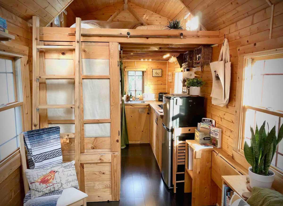 tiny-tack-house-in-everett-washington