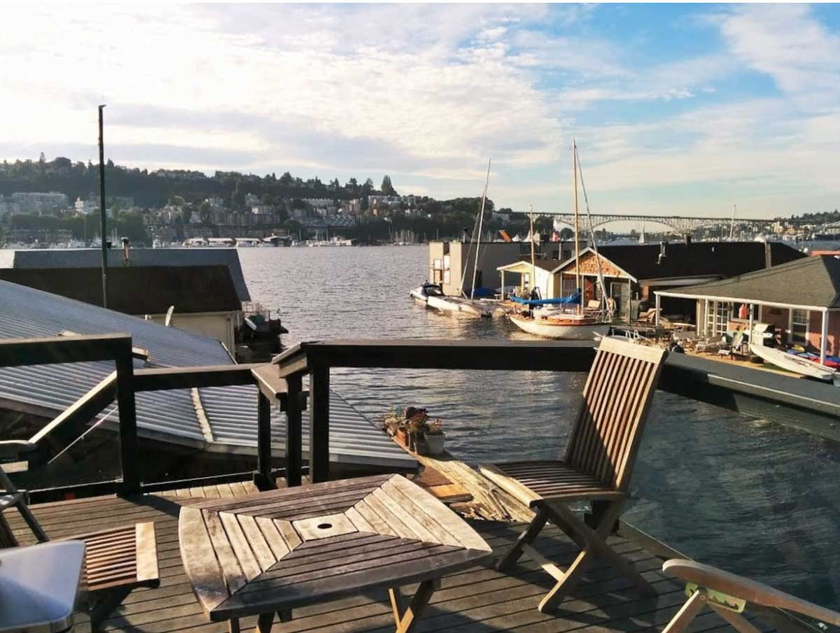 view from lake union houseboat rental